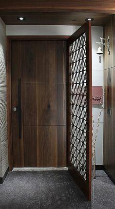 Trendy Ideas For Main Door Design Entrance Grill House Main Door Design, Flush Door Design, Grill Door Design, Room Door Design, Door Design Interior, Modern Interior Design, Main Gate Design, Modern Entrance Door, Main Entrance Door Design