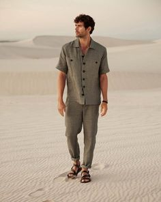 A great look with the linen shirt: relaxed menswear trousers with tapered legs, a buttoning placket and slant pockets. Mens Linen Outfits, Mens Linen Shirts, Men's Shirts, Tuxedo T Shirt, Male Fashion Trends, Business Shirts, Tuxedo For Men, Linen Trousers, Look Cool