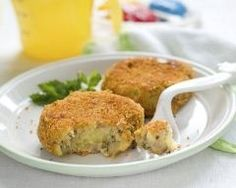 Croquettes de poisson pas chères en 15 min : http://www.cuisineaz.com/recettes/croquettes-de-poisson-pas-cheres-en-15-min-74021.aspx