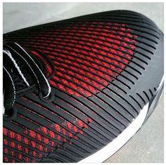 Shoe toe layers