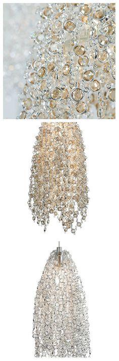 Двойные слои кристаллов SWAROVSKI ELEMENTS искусно установлены в запутанной сети элегантных цепочек, накинутых на лампу LED MR16. Именно так выглядит великолепный светильник из кристаллов SWAROVSKI.  Светильник отлично подойдет для использования в спальне, прихожей, гостиной. Он может быть как оригинальным акцентом, так и великолепным дополнением общей картины гламура и респектабельности. #светильники #лампы