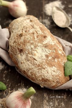 Paine Ciabatta semi-integrala cu usturoi si busuioc - detatliu ciabatta Yummy Food, Tasty, Ciabatta, Bread Recipes, Bakery, Pizza, Sweets, Homemade, Cooking
