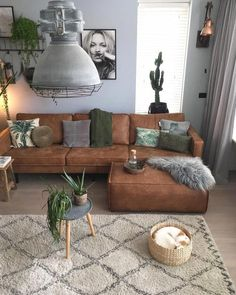 ✔ 56 smart small apartment decorating ideas on a &; ✔ 56 smart small apartment decorating ideas on a &; Seven Eight ✔ 56 smart small apartment decorating ideas […] living room on a budget Simple Living Room, Boho Living Room, Living Room Lighting, Living Room Modern, Bohemian Living, Cozy Living, Modern Couch, Modern Bohemian, Brown Living Rooms