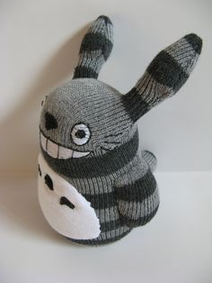 totoro from socks Diy Sock Toys, Sock Crafts, Cute Crafts, Totoro, Sock Dolls, Felt Dolls, Rag Dolls, Crochet Dolls, Reborn Child