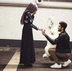 Read Demande en Mariage 😍: from the story 🎀~Photo Chronique~🎀 by AmellQueen (👑Queen👑) with reads. Couples Musulmans, Cute Muslim Couples, Cute Couples Goals, Romantic Couples, Wedding Couples, Romantic Weddings, Muslim Couple Photography, Wedding Photography Poses, Photo Couple