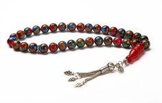 Boyalı işlenmiş akik 6 mm taş 925 ayar gümüş zincir ve püskül Boy : 19 cm Renk: Kırmızı - Yeşil #erkekmodası #modatesbih #özeltesbih #tesbihmodels #erkekmoda #tesbiherkek #tesbihbethdizayn #özeltasarımtesbih #tesbihyapımı #tesbihkutusu #menstyle