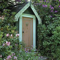 Wohnideen Gartenhaus gartenhaus outdoor küche glastüren schöne idee flower garden