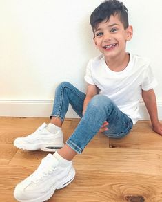 Air Max 95, Nike Air Max, Boys Dress Outfits, Family Outfits, Kids Outfits, Baby Tumblr, Teen Trends, Baby Swag, Cute Baby Pictures