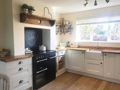 Tonights kitchen belongs to Eli Her kitchen is from and its called Ashbourne Ivory Love it Cosy Kitchen, New Kitchen, Kitchen Dining, Kitchen Decor, Kitchen Ideas, Beautiful Kitchen Designs, Beautiful Kitchens, Symphony Kitchen, Victorian Kitchen
