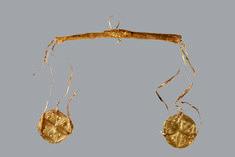 Aπό τη «ζυγαριά της ψυχής» στο «χρυσό εισιτήριο»: Ένα εικαστικό ταξίδι στον Αδη
