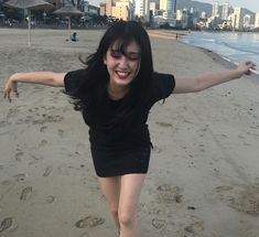 Jeon Somi has what every girl desires for a body. Born in the year Somi is just 17 of age yet Korean Bangs, Ontario, Kim Chungha, Jeon Somi, Asia Girl, Girl Body, Every Girl, Ulzzang Girl, K Idols