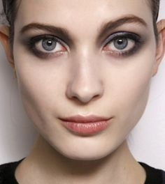 How to Create a Smokey Eye for Blue Eyes