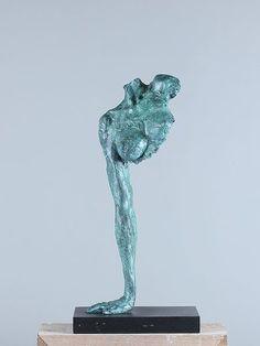 Bronzen beeld #bustevrouw op hardstenen voet. #abstractbronzenbeeld, #bronzenbeeldabstractonhand,  #bronzenbuste, #prachtigbeeld, #uniekbeeld, #vrouwentorso, #torso
