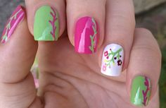 Pretty floral #nails in pink, green & white / For more easy #naildesigns please subscribe to my YouTube channel: https://www.youtube.com/user/LifeWorldWomen Thank you!