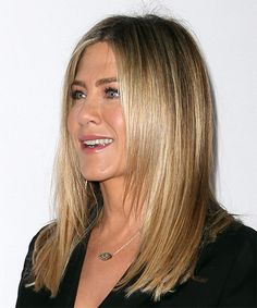 Jennifer Aniston Long Straight Formal Hairstyle – Ash Blonde Hair Color - New Sites Balayage Brunette Short, Brunette With Lowlights, Ash Blonde Hair, Blonde Color, Hair Color, Jennifer Aniston Bob, Medium Hair Cuts, Medium Hair Styles, Long Hair Styles