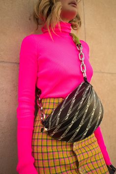 Neon Girl, Neon Shirts, Spring Summer, Paris, Summer Looks, Daily Inspiration, New Trends, Fashion News, Ideias Fashion