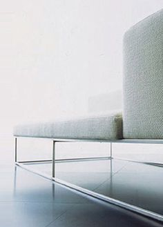 Close up, Ile sofa by Piero Lissoni for Living Divani _
