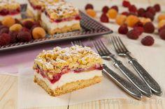 Kruche ciasto z budyniową pianką i malinami | Cake with foam and raspberries