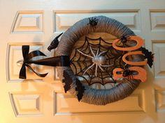 DIY Halloween wreath (like the stuff on the wreath)