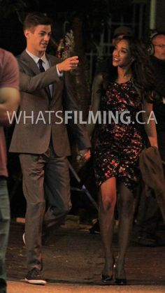 the flash barry and iris on treir first date O Flash, Flash Arrow, Grant Gustin, Vancouver, Barry Iris, The Flash Season 3, Dinah Laurel Lance, Candice Patton, Dc Tv Shows