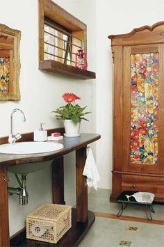 Lavabo com armário colorido