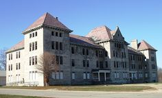 Reportedly haunted, this building in Bartonville, IL is the main building of what was the Peoria State Hospital, also known as the Illinois Asylum for the Incurably Insane. The facility closed in 1973