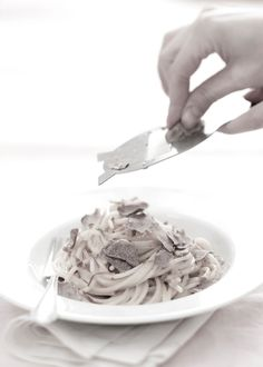 How to cut a truffle