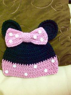 Touca da Minie em crochet.