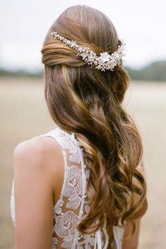 bridal hair accessories: pearl hair comb
