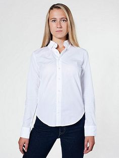Classic, lightweight button-down made from ultra soft ring spun Italian cotton.