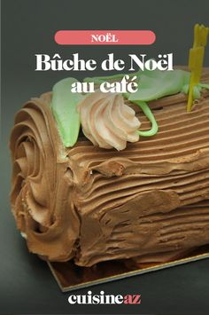 Bûche de Noël au café How to imagine a Christmas meal without a log? It remains to choose which one. We offer you a coffee log. Mini Desserts, Chocolate Cheesecake Recipes, Easy Cheesecake Recipes, Birthday Cheesecake, Christmas Cheesecake, Yule Log, Log Log, Classic Cheesecake, Mini Cheesecakes