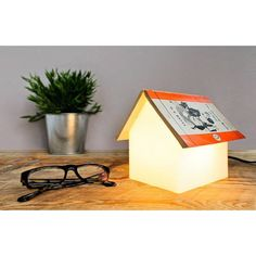 Nighttime Reading Cute House Book Rest Lamp // 10 BOOK Furniture Design Pieces Every Bookworm Should Have Book Furniture, Furniture Design, Bedside Reading Light, Reading Lights, Book Rest, Design3000, Book Lamp, Pot A Crayon, Bedroom Lamps