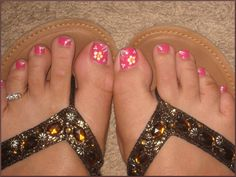 flowers-toenails.jpg 1,034×778 pixels