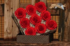 Black - red box with roses