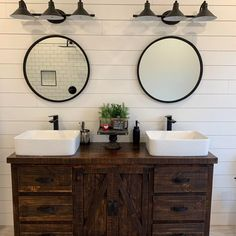 Farmhouse Bathroom Sink, Shiplap Bathroom, Vessel Sink Bathroom, Round Bathroom Mirror, Farmhouse Style Bathrooms, Farm House Bathroom, Above Counter Bathroom Sink, Rustic Master Bathroom, Rustic Bathrooms