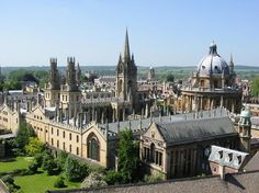 Oxford, The City of Dreaming Spires, is famous the world over for its University and place in history. For over 800 years, it has been a home to royalty and scholars | famous buildings