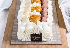 Saint Honoré: semifreddo decorated with crunchy profiteroles on a base of chantilly cream and fragrant puff pastry Chantilly Cream, Profiteroles, Fresh Cream, Confectionery, Pastries, Birthday Cake, Base, Desserts, Food