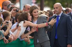 Pin for Later: Kate Who? See Queen Letizia's Best Moments  Letizia looked happy to pose for a selfie with a fan in Zafra, Spain, in October 2014.