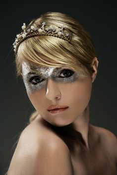 Glitter on the eyes is just asking for pain, but maybe shimmer paint instead? Goodness I love the look of this...