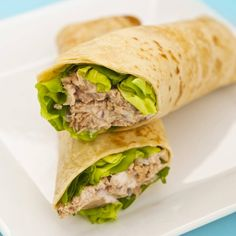 Wrap au thon, avocat, persil et citron : www.fourchette-et& The post Wrap au thon, avocat, persil et citron appeared first on Bikini Photos. Tuna Wrap, Low Calorie Lunches, Tuna Avocado, Tuna Salad, Avocado Wrap, Avocado Salad, Tuna Melts, Snacks Saludables, Cooking Recipes