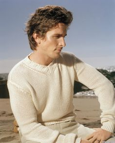 Picture of Christian Bale Batman Christian Bale, Christian Bale Hot, Batman Begins, Real Batman, American Psycho, Star Wars, Creative Hairstyles, British Actors, American Actors