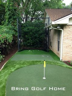 Practice area off the side of an amazing putting green in Dallas, Tx. Artificial Putting Green, Artificial Turf, Backyard Putting Green, Artificial Grass Installation, Golf Green, Golf Simulators, Golf Practice, Golf Training, Save Water
