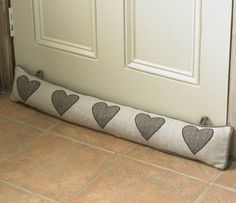 keep draught excluder in situ with hooks and loops Door Draught Stopper, Draft Stopper, Door Stopper, Fabric Crafts, Sewing Crafts, Sewing Projects, Diy Projects, Sewing Tutorials, Sewing Hacks