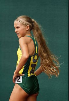 Jordan Hasay is known for her speed and her luscious long hair. #runner #idol #athlete