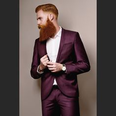 Incredible #dapper @gwilymcpugh Photography:@mutemediaphoto Makeup: @naomilakemua Suit: @nooseandmonkey Ring: @vitalydesign #birline #harristweed #tweed #watch #sun #suitup #london #gentleman #mensfashion #menstyle #menswear #menwithclass #gq #mrporter #beard #bespoke #tailored #beardlove