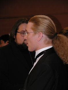 Nice hair. Virus Bulletin conference 2001.