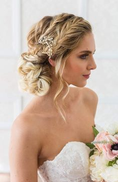Brides & Hairpins Alexina Comb, Size One Size - Metallic Best Wedding Hairstyles, Bride Hairstyles, Messy Hairstyles, Homecoming Hairstyles, Creative Hairstyles, Hairdos, Hairstyle Ideas, Hair Ideas, Afro