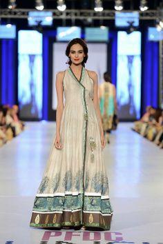 Mehreen Syed wearing Nida Azwer.