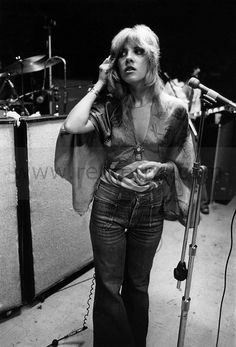 As we're embracing a vibe this summer,who better to look to for inspiration than Stevie Nicks, member of Fleetwood Mac,solo artist & style icon Hippie Style, My Style, Hippie Chic, Bohemian Style, Festival Looks, Jane Birkin, Brigitte Bardot, Françoise Hardy, Buckingham Nicks