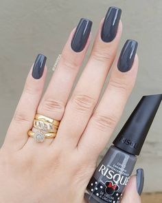 Prized by women to hide a mania or to add a touch of femininity, false nails can be dangerous if you use them incorrectly. Types of false nails Three types are mainly used. Beautiful Nail Polish, Gorgeous Nails, Gel Polish Designs, Nail Art Designs, Make Up Inspiration, Nails Inspiration, Nails Polish, Dark Nails, Super Nails